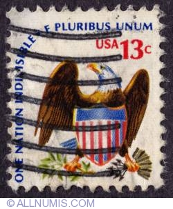 Image #1 of 13¢ Eagle and Shield 1975
