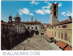 Image #1 of 1970 Bergamo - Old Square (Piazza Vecchia)