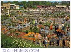 Image #1 of Madurodam (1978)