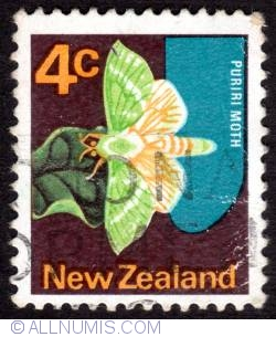 Image #1 of 4¢ 1970 - Puriri Moth