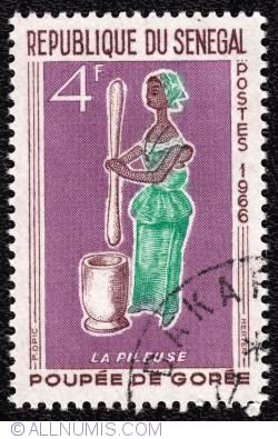 Image #1 of 4F 1966 - La Pileuse-Poupée de Gorée