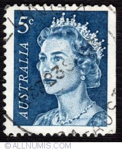 Image #1 of 5¢ Queen Elizabeth II 1967