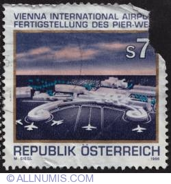 Image #1 of 7s Vienna International airport 1996