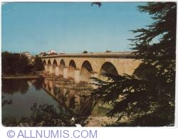 Agen-Stone bridge on the Garonne-1973