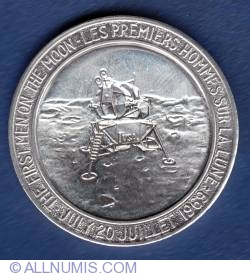 Image #2 of Apollo 11 Medallion 1969