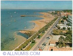 Image #1 of Arcachon-the beach and jetties-1973