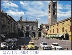 Image #1 of Bergamo-Old Square (Piazza Vecchia)