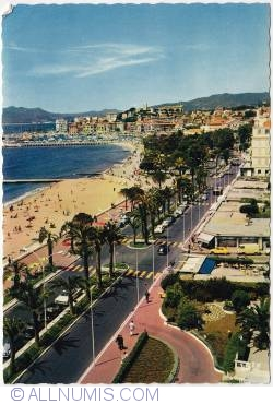 Cannes-The Croisette, the old Harbour and Suquet