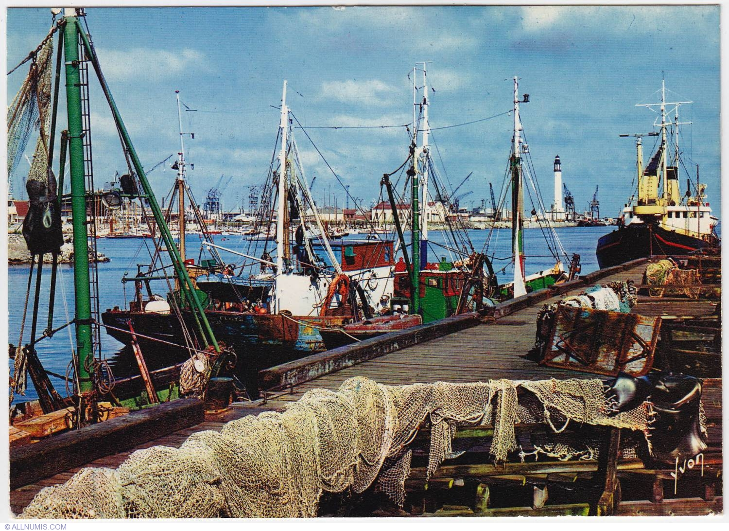 Dunkirk fishing port nord pas de calais france for Port a fishing
