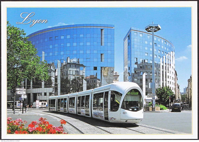 lyon place gabriel peri et le tram t1 rh ne alpes france postcard 8616. Black Bedroom Furniture Sets. Home Design Ideas