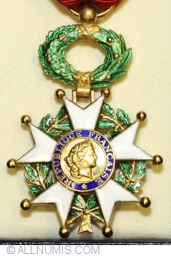 Image #1 of National Order of the Legion of Honour, 5th Republic (Officer)