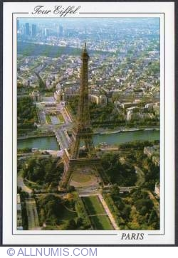 Image #1 of Paris-Eiffel tower-Trocadéro-overflight