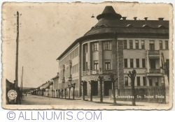 Image #1 of Caransebeș - Traian Doda High School (1938)