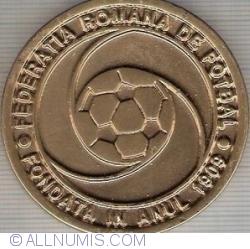 Federația română de fotbal - fondată în anul 1909 Arbitru - Cupa României