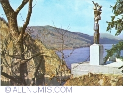 Image #1 of Vidraru - The lake and the Statue of Electricity
