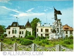 Image #1 of Tg. Jiu - Statue of Tudor Vladimirescu (1971)