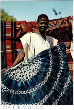 Image #1 of Nigeria - Hausa cloth trader