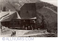 Image #1 of Red Lake - Chalet C.C.S.