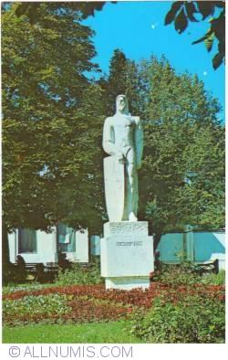 Image #1 of Curtea de Argeș - Statue Vlaicu Voda