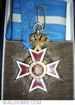Imaginea #1 a Coroana Romaniei - Decoratie in grad de Comandor