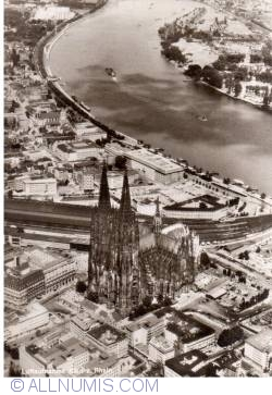 Image #1 of Köln (Cologne) - Cathedral and train station -  Aerial view