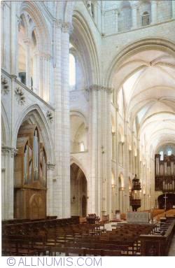 Image #1 of Caen - The Abbaye aux Hommes. Church (L'abbaye aux Hommes. L'église)