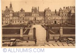 Imaginea #1 a Fontainebleau - Palatul - Curtea de Adieux (Le palais - La Cour de Adieux )