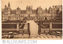 Imaginea #2 a Fontainebleau - Palatul - Curtea de Adieux (Le palais - La Cour de Adieux )