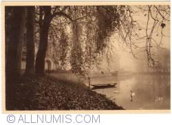 Imaginea #2 a Fontainebleau - Grădinile palatului - Dimineaţă de toamnă  (Jardins du Palais - Matin d'Automne)