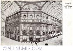 Imaginea #1 a Milano -  Ottagono della Galleria Vittorio Emanuele II