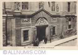 Image #1 of Paris - Entrance door of the Carnavalet Museum - Porte d entrée du Musée Carnavalet