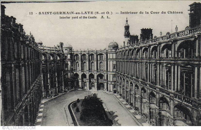 Saint-Germain-en-Laye - Interior yard of the castle - ntérieur de la ...