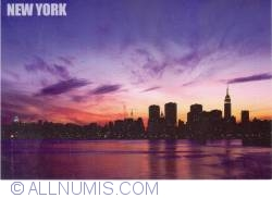 Image #2 of New York - Empire State Building and midtown Manhattan skyline