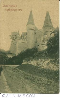 Image #1 of Hunedoara - Hunyadi Castle