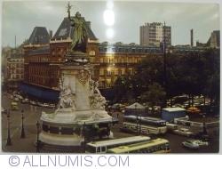 Imaginea #1 a Paris - Place de la République (1975)