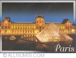 Imaginea #1 a Muzeul Luvru (Musée du Louvre) - Curtea Napoleon și Piramida (La cour Napoléon et la pyramide)