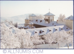 Image #1 of Arnota Monastery