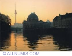 Image #2 of Berlin - Museum Island