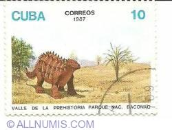Image #1 of 10 centavos 1987 - Prehistoria Rarque - Dinozaurus