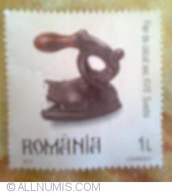 Image #1 of 1 L 2012 - Pressing iron 18th century