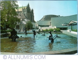 Image #1 of Basel - Tinguely- Fountain at City Theatre (1988)