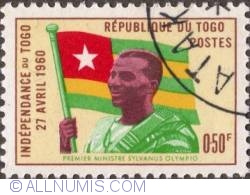 Imaginea #1 a 0,50 Franc 1960 - Prime Minister Sylvanus Olympio and Togo Flag