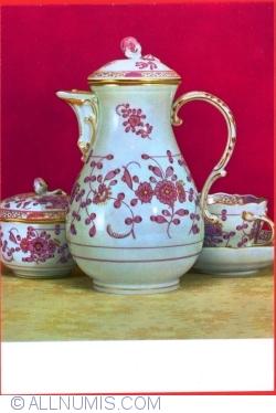 """Image #1 of Meissen - Museum of Porcelain - Coffee service """"Neuar Ausschnitt"""""""