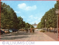 Image #1 of Berlin - View in direction of the Brandenburger Gate