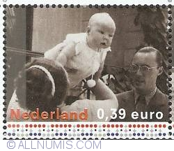 Image #1 of 0,39 Euro 2003 - Princess Juliana, Prince Bernard and Princess Beatrix (1938)