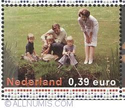 Image #1 of 0,39 Euro 2003 - Royal Family (1975)