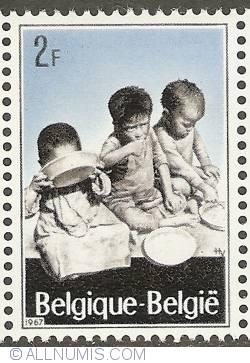 Image #1 of 2 Francs 1967 - Refugees