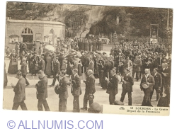Image #1 of Lourdes - Grotto - Start of the Procession (1920)
