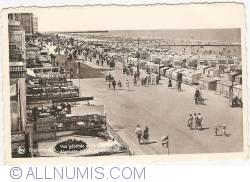 Image #1 of Blankenberge - View on the Beach (Vue générale de la plage)
