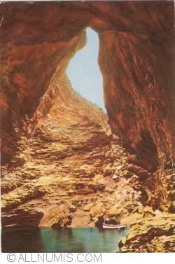 Image #1 of Bonifacio (Corsica) - Cave of Sdragonato (1974)